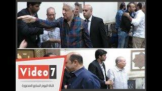 بالفيديو.. مرتضى وسليمان وجها لوجه فى عزاء والدة طارق مصطفى - اليوم السابع