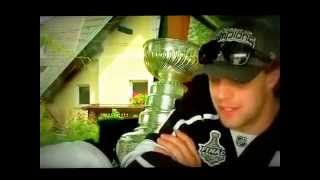 Copie de Anze Kopitar brings the Stanley Cup to Slovenia!