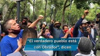 Simpatizantes del presidente Andrés Manuel López Obrador, se presentaron en el plantón para enfrentarse contra el grupo opositor del mandatario; aventaron algunas casa de campaña
