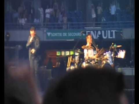U2 - Paris Stade de France 2009 - Beautiful Day