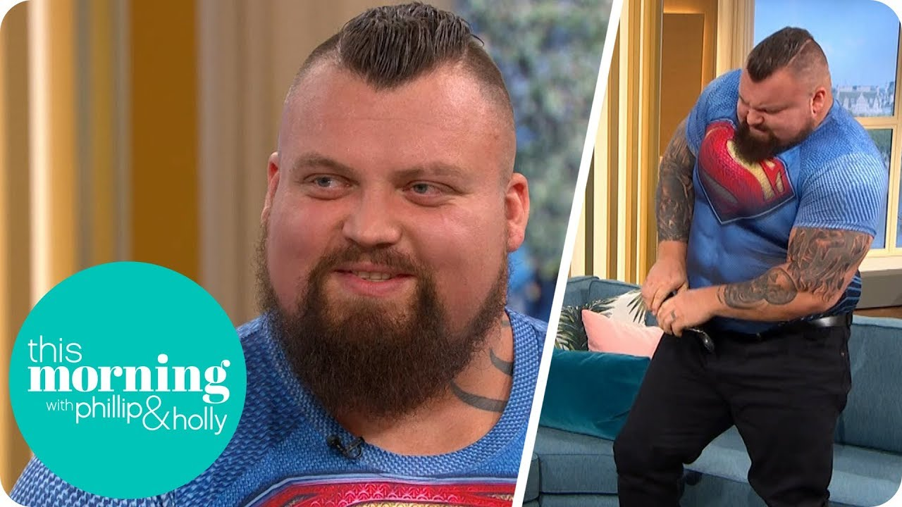 Strongman Eddie Hall Stuns Holly And Phillip By Folding Up A