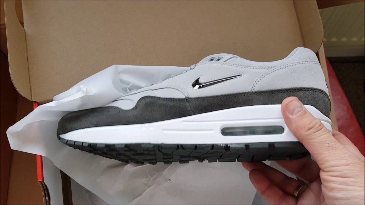 90697e637e1f Unboxing Unpacking NIKE AIR MAX 1 PREMIUM JEWEL SC WOLF GREY MTLC PEWTER  code 918354 004