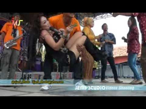 DIAN NADA The Big Band...!!! CINTA BLI PASTI - Voc. Desy ChomPonK