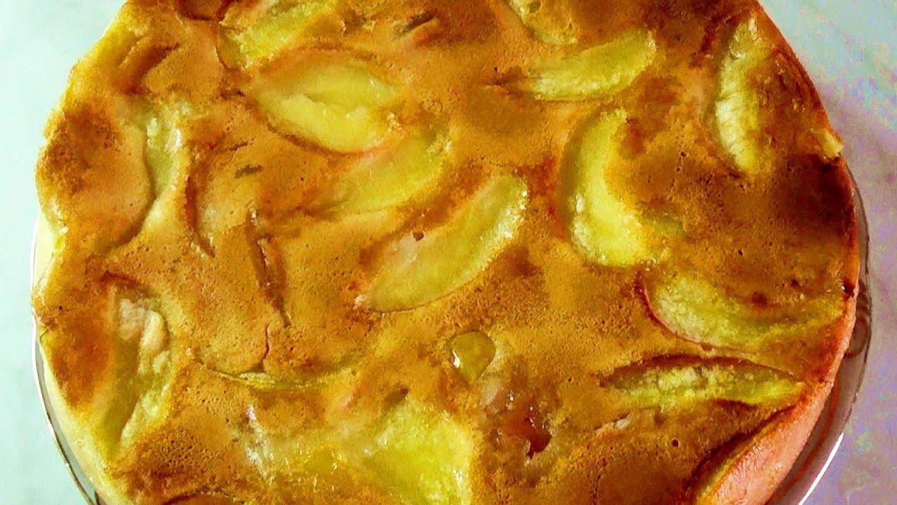 Шарлотка с яблоками рулет 11 фотография