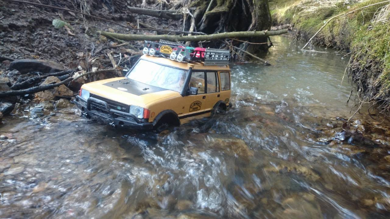 Rc Scale Camel Trophy Land Rover Discovery River Crossing Youtube