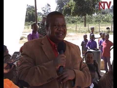 Kahinda Otafiire criticizes Mbabazi for going against Museveni