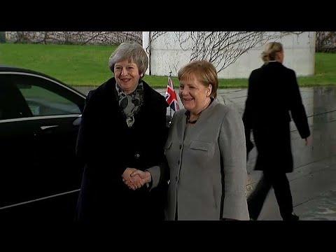 May à procura de garantias extra em périplo europeu