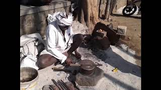 I salute this Great Person | Traditional way of sharpening Axe, Knife, etc.. | India