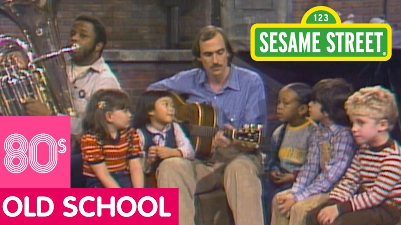 Sesame Street: James Taylor and Kids sing Jellyman Kelly