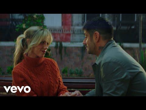 Смотреть клип Melendi, Miriam Rodríguez - Simplemente Dilo
