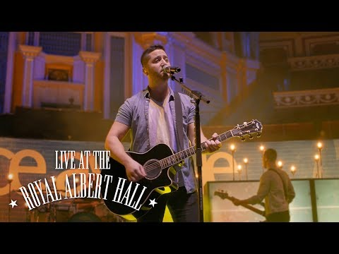 Music video Boyce Avenue - Yellow