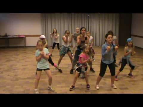 "Zumba for kids ""Lepo Lepo"" by Pitbull"