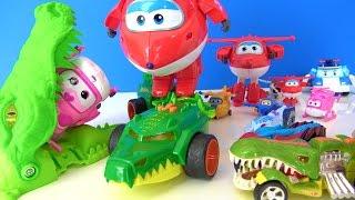 Canavar arabalar Harika kanatlar oyuncaklarına karşı. Timsah arabalar Dev Jett ve Dizzy için geliyor