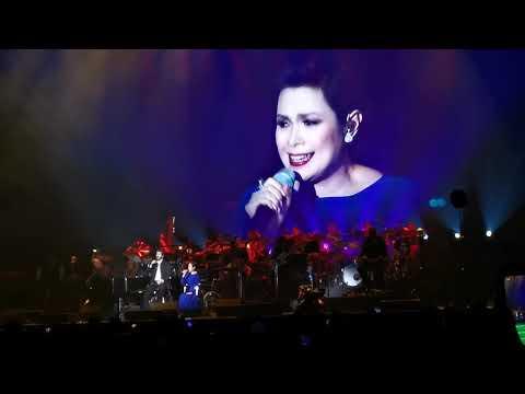 Lea Salonga in wheelchair sings The Prayer with Josh Groban Bridges Tour in Manila! #JoshGroban