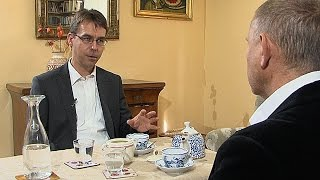 Petr Pelikán / Břetislav Tureček - ISIL - Debatní klub