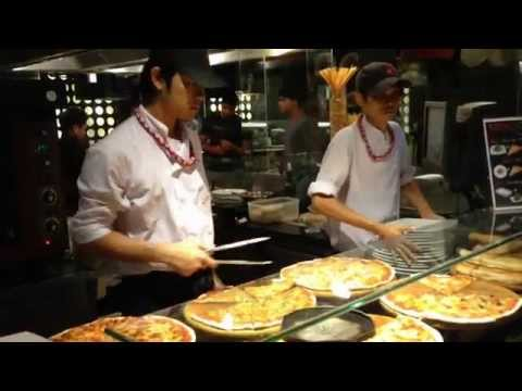 UPPER MIDDLE CLASS BANGKOK - Central Chidlom Foodloft - Wealthy Thais