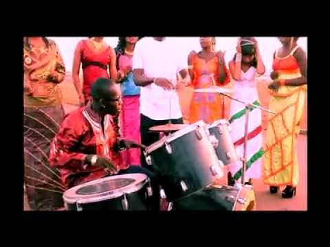BAKARIN FEAT LASSI: MAMAN (VIDEO OFFICIEL)
