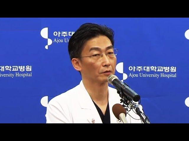 """[현장연결] 이국종 """"귀순 북한 병사 의식 명료"""" / 연합뉴스TV (YonhapnewsTV)"""