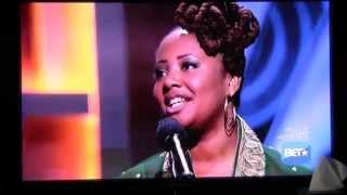 "Lalah Hathaway - ""A Song For You"" Live At The Apollo"
