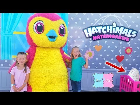 Hatching HatchiBabies on Hatchimals Day in Hatchtopia with Giant Hatchimal in Real Life!