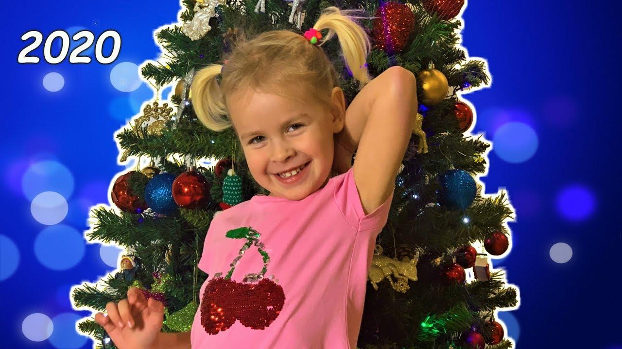 Eve is getting ready for Christmas. НАРЯЖАЕМ ЕЛКУ К НОВОМУ 2020 ГОДУ. ГОД БЕЛОЙ КРЫСЫ. Baby Song
