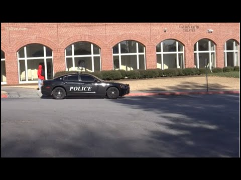 Parents say Cobb school didn't notify them of threat until school began