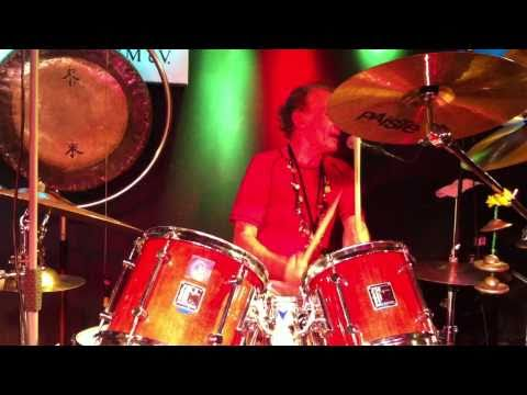 Guru Guru - Mani Neumeier Drum Solo