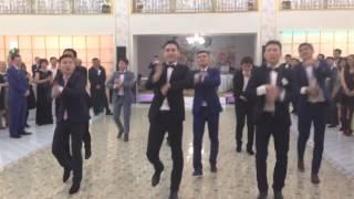 Repeat youtube video САМЫЙ ЛУЧШИЙ СВАДЕБНЫЙ ФЛЕШМОБ!!! Медет Альмира!
