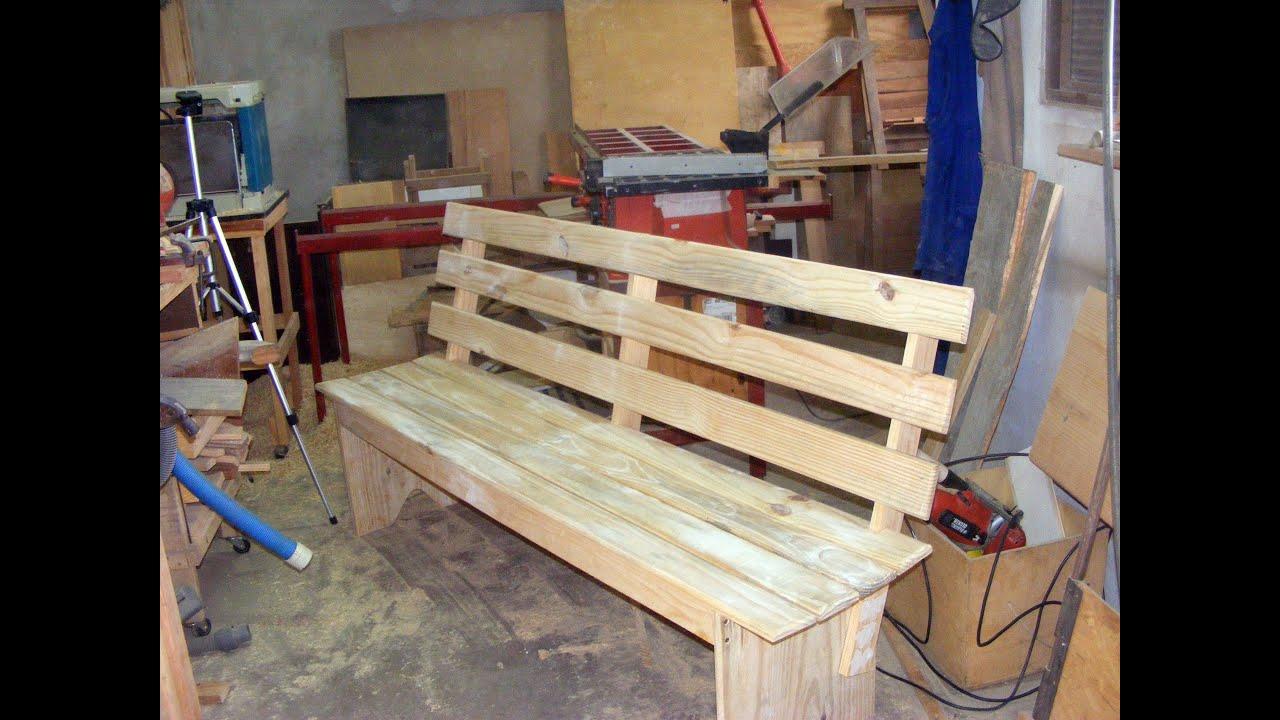 Banco de Jardim feito com resto de madeira.   #1A2C66 3000x2250