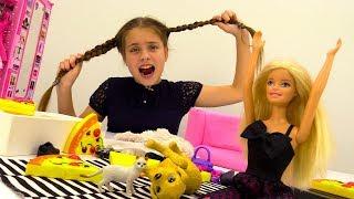 Мультик Барби: кукла готовит пиццу на вечеринку