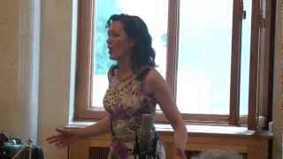 """Petrova Diana sings Schönberg """"Mahnung"""""""