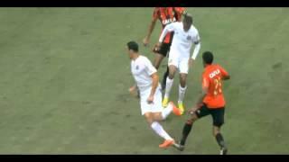 Robinho (Santos) produced a fantastic piece of skill v Sport Recife