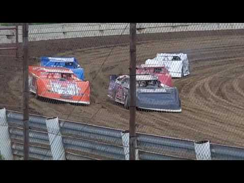 Derek Fetter Quincy Raceways 5-21-17 heat 1