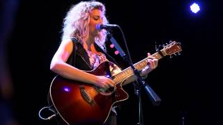"Tori Kelly - ""Suit & Tie"" (Live Acoustic at Lincoln Hall in Chicago) HD"