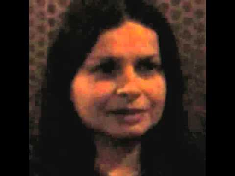 Hope Sandoval VIDEO, Nov. 7, 2013, chats outside tour bus after L.A. Mazzy Star show