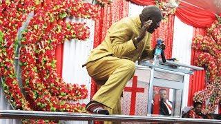 Mch  Paul Kuria Kutoka Kenya Avunja Mbavu za Watu Kanisani Kwenye Marriage Revival Dinner Party 2018