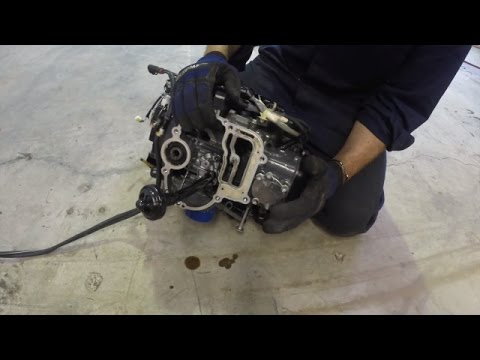 What's inside an outboard motor?