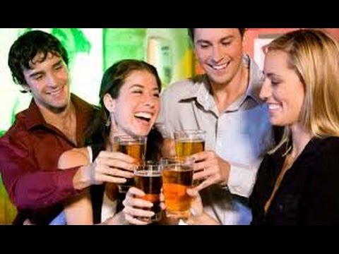 como coquetear a una mujer en un bar