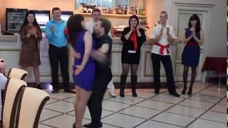 Bailes ridiculos en una fiesta