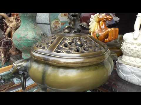 Visit Chengdu Song Xian Qiao Antique Market