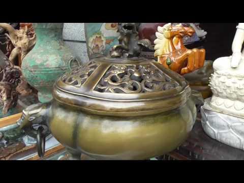 Visit Chengdu Song Xian Qiao Antique Market