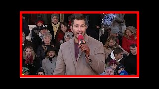 Andy grammer slays his performance of 'smoke clears' at macy's thanksgiving day parade