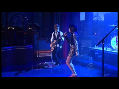 Carly Rae Jepsen Performing This Kiss Live on David Letterman on 10/25/2012