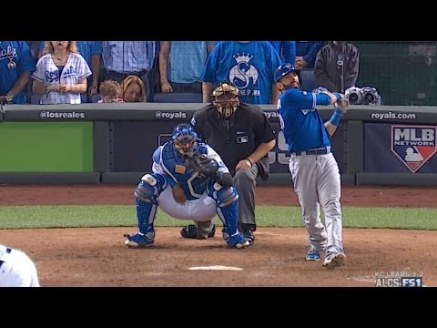 Bautista hits a two-run homer to tie Game 6