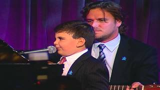 "Ethan Walmark Performs ""Piano Man"" at Autism Speaks Chef Gala"
