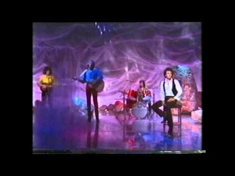 Air Supply - Lost In Love (Paul Hogan Show) 1980