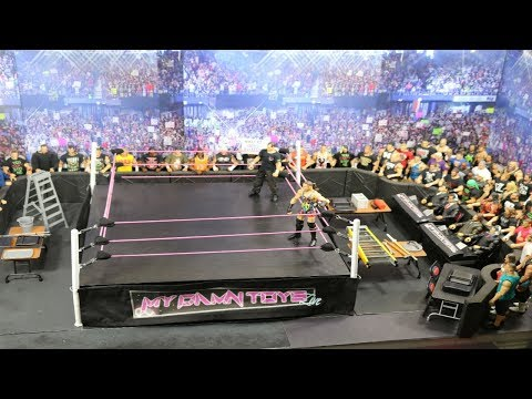 HOW TO MAKE A WWE FIGURE ARENA!