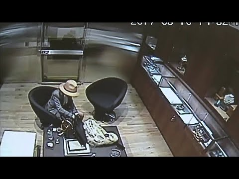 Jewelry store owner locks accused thief in vault