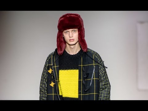 PAUL SMITH Fall 2019 2020 Menswear Paris - Fashion Channel