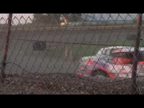 Hobby stock spinout at US 30 Speedway